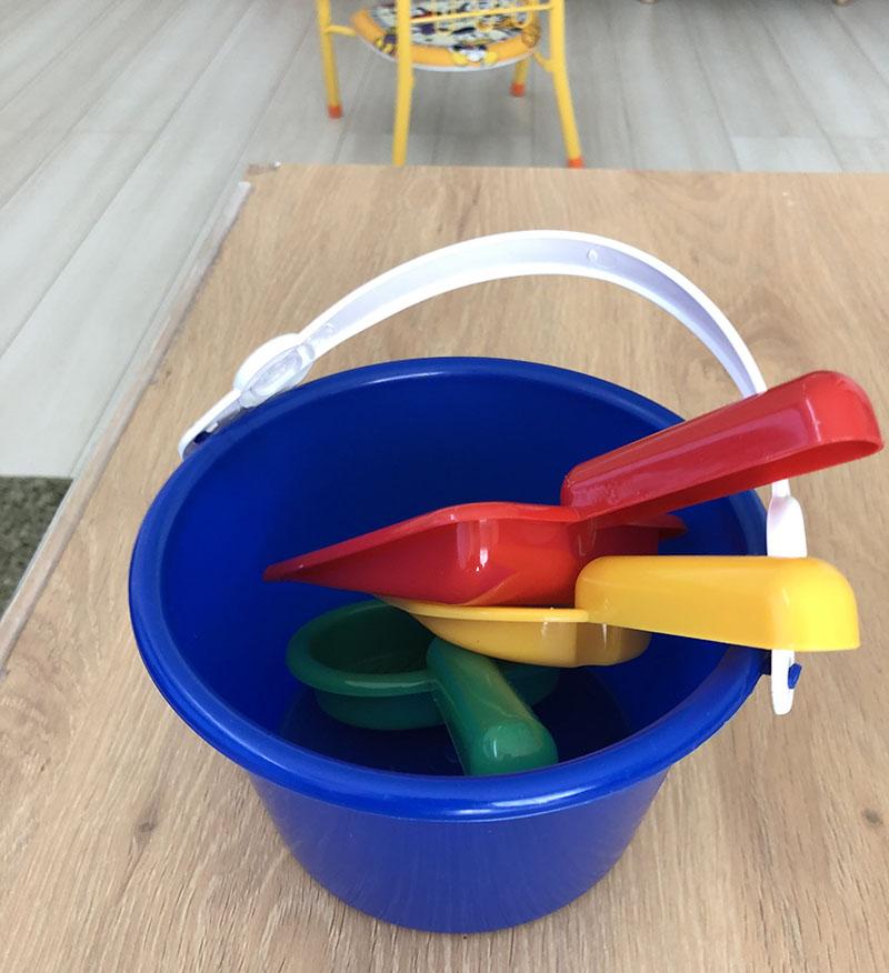 100均のおもちゃ、砂場遊びセットで赤ちゃんが遊んだ!