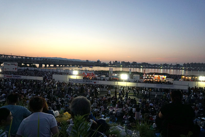 なにわ淀川花火大会場所