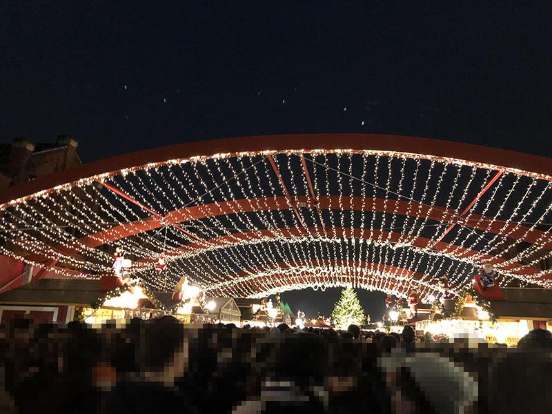 クリスマスマーケットin横浜赤レンガ倉庫混雑