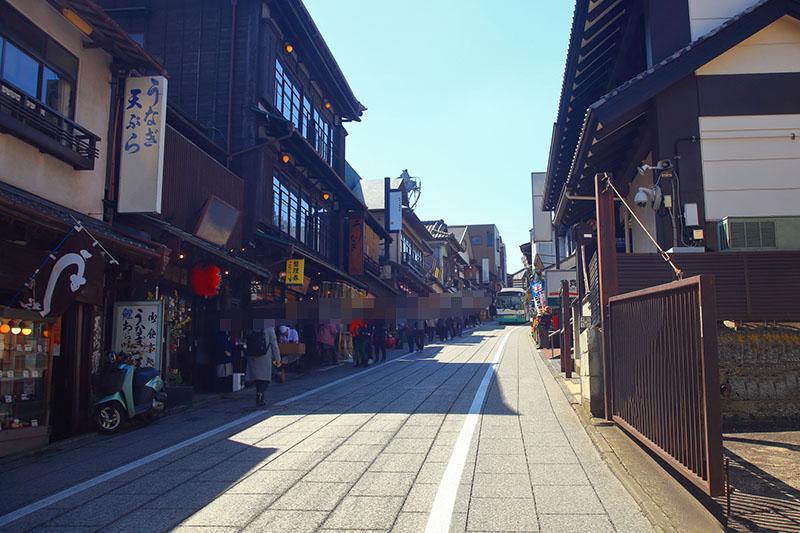 成田山新勝寺の初詣混雑出店